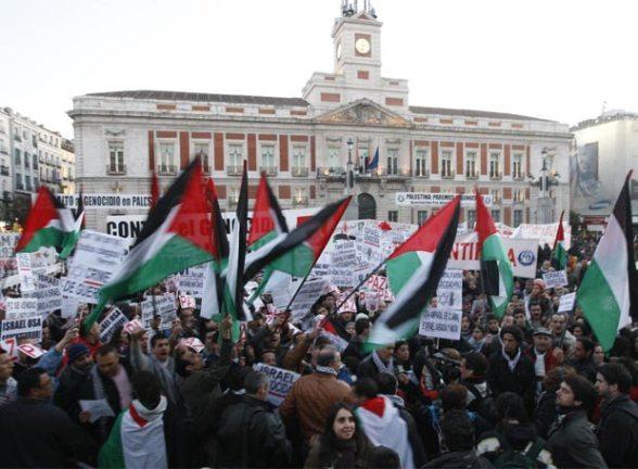 imagen_tomada_concentracion_puerta_sol_solidaridad_poblacion_palestina_gaza_17_01_20081