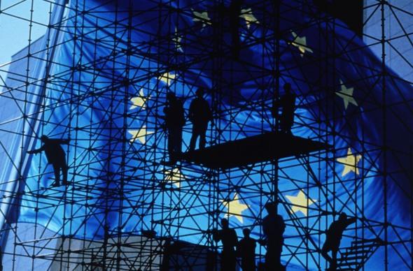 Europa, siempre con los andamios puestos